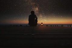 Ты однажды присядь и послушай, что же хочет твоя душа? Мы так часто не слушаем душу, по привычке куда-то спеша.
