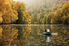 Вообще осень прекрасное время. Летом отдыхаем телом, осенью душой.