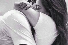 Иногда вместо тысячи слов надо просто обнять.
