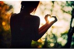 Напоминайте себе почаще, что цель жизни вовсе не в том, чтобы выполнить все намеченное, а в том, чтобы наслаждаться каждым шагом, сделанным на жизненном пути, в том, чтобы наполнить жизнь любовью.