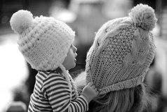 Какое это счастье, что у меня есть дочка! Красивые глаза и пухленькие щечки…Веселая улыбка и звонкий детский смех. И этот человечек дороже в мире всех.