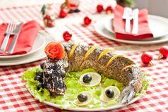 Новый Год - единственный праздник, когда весь мир с удовольствием ест прошлогоднюю еду.