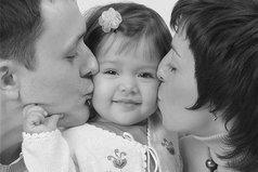 Родители - это самые близкие нам люди. Иногда они нас не понимают, иногда мы ссоримся, но все же их любовь к нам бесценна!