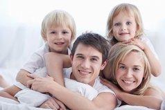 Не обижайте своих родителей, они дороже любой подруги, и их слезы она не стоит (она бросит тебя и забудет) А родители всегда будут рядом!