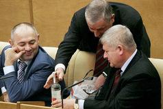 Депутаты Госдумы жалуются - им ещё не выдали квартиры за май!