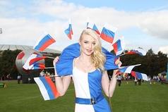 А по утрам я российский флаг: рожа белая как снег, под глазами синие синего, а сами глаза кроваво-красные.