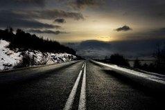 Если оставаться на месте и не двигаться вперед - все тускнеет и теряет смысл. Как в работе, как в отношениях, так и в жизни.