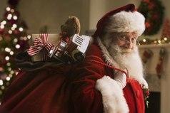 Желаю, чтобы все мужчины были похожи на Деда Мороза. Засыпали бы тебя подарками... А взамен просили всего лишь стишок!