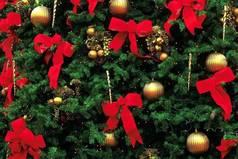 А я не поздравляю вас с новым годом, не желаю счастья, здоровья, любви, не надейтесь на чудо, будьте  реалистами и делайте все сами!