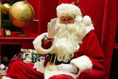 Дорогой Дед Мороз, в детстве я просила у тебя о любви - так вот, подари мне цветные карандаши.