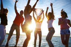 Дружба – это отношение к другому, как к самому себе. Любовь – отношение к другому лучше, чем к самому себе.