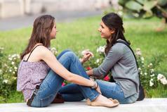 Лучшая подруга - это та, с которой гуляешь и думаешь