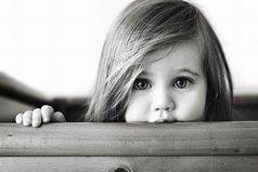 Кто ищет друзей, достоин того, чтобы их найти; у кого нет друзей, тот никогда их не искал.