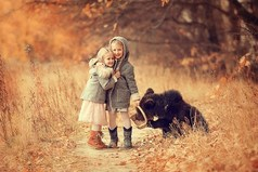 В мире нет ничего лучше и приятнее дружбы; исключить из жизни дружбу — все равно что лишить мир солнечного света.