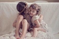 Сестра - это тот человек, который и бесит и убить хочется, но любишь ее без памяти и за нее убьешь.
