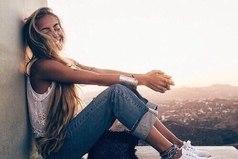 Жизнь дана не для того, чтобы как-нибудь провести время. Она дана как возможность прикоснуться к глубинам своего существа. Не теряйте время попусту.