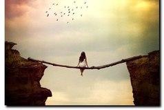 Оптимистка – это та, которая, находясь между двумя неприятностями, всегда загадывает желание!