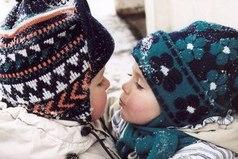 Зима - это то время года, когда люди должны согревать друг друга. Своими словами, чувствами, заботой. И тогда никакие холода не страшны...