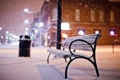 Хочу снега. Много много. Чтобы снежки и снеговики. Красные щеки. И ночью все светится...
