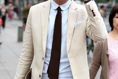 От мужчины должно пахнуть силой и уверенностью, а не пивом и сигаретами.