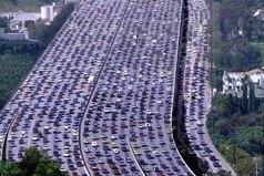 Самая длинная автомобильная пробка в мире зафиксирована в Китае. Ее длина достигает 260 километров.