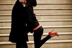 Я люблю только одного мужчину, а остальные помогают мне любить его еще больше.