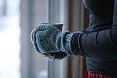 У людей с холодными руками, очень доброе сердце.