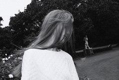 И еще никогда она не осознавала с такой отчетливостью, насколько сильно она могла бы его полюбить, как именно сейчас, в ту самую минуту, когда ни о какой любви между ними больше не могло быть и речи.