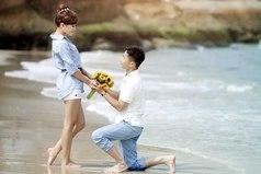 Любовь - единственная страсть, которая не выносит ни прошлого, ни будущего.