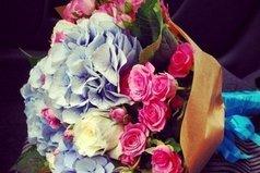 Любимым девушкам дарят цветы, а не слезы.