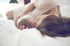 Природа очень мудра — дает женщине целых девять месяцев, чтобы приготовиться к чуду рождения ребенка, но только в тот момент, когда видишь личико своего младенца, полностью перерождаешься — становишься совершенно другим человеком, другой женщиной. Мамой.