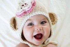 А вы тоже часто улыбаетесь незнакомым маленьким детям в ответ на их улыбку?