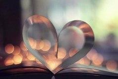 У любви есть начало. Родившись в душах людей, она окрыляет их и поднимает все выше, и выше. Как безгранична Вселенная, так и истинная любовь не имеет конца.