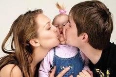 За что действительно надо бороться, так это за счастливую полноценную семью.