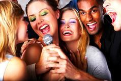 Популярность - это когда пьяные люди поют твои песни.