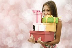 8 марта желаю, чтобы всем женщинам желали поменьше, а дарили побольше!