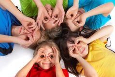 В детстве все просто – ты счастлив, значит ты смеешься, тебе плохо – ты плачешь. Во взрослой жизни все сложно - прежде чем проявлять эмоции, надо подумать: когда, с кем, как…