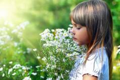 Все считают, что детство - лучшая на свете пора, кроме, разве что, самих детей.