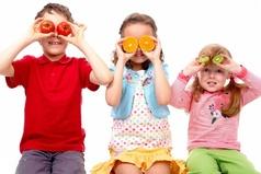 Не понимаю, почему люди  стесняются впадать в детство…ведь тогда они каждый раз становились бы чуточку счастливее!