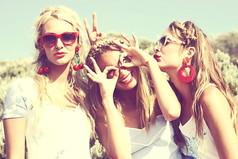 Настоящая подруга помнит твои лучшие моменты жизни даже лучше тебя самой.