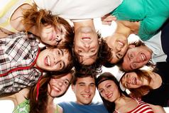 Вокруг тебя столько людей, которые точно знают, как тебе жить… и только друг просто будет с тобой рядом, когда это необходимо.