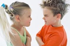 Почему я выросла «блондинкой»? Может потому, что мой брат часто бил меня по голове.